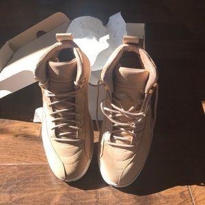 Brand New Never Worn Women's Air Jordan Retro 12